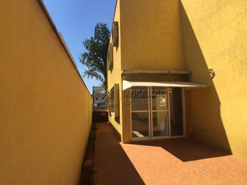Corredor Externo - Casa em Condomínio 4 quartos à venda Itatiba,SP - R$ 700.000 - FCCN40142 - 18