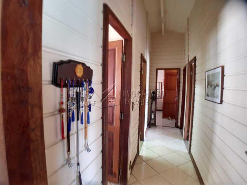 Acesso aos dormitórios - Casa em Condomínio Cachoeiras do Imaratá, Itatiba, Real Parque Dom Pedro I, SP À Venda, 3 Quartos, 453m² - FCCN30424 - 16