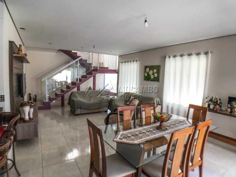 Sala - Casa em Condomínio 3 Quartos À Venda Itatiba,SP - R$ 740.000 - FCCN30433 - 1