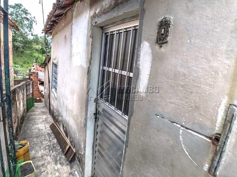 Corredor lateral - Casa 3 quartos à venda Itatiba,SP - R$ 129.000 - FCCA31289 - 4