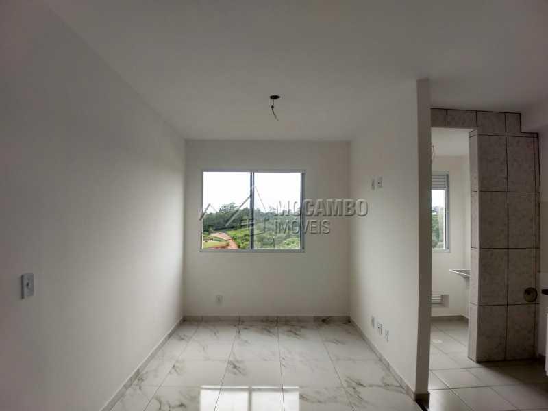 Sala - Apartamento Para Alugar - Itatiba - SP - Loteamento Santo Antônio - FCAP21042 - 3