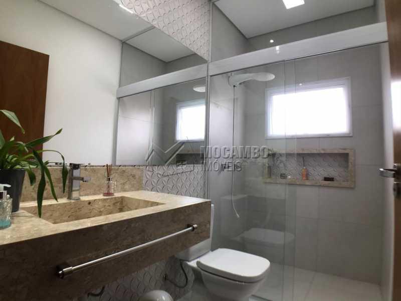 Banheiro Social - Casa em Condomínio Sete Lagos, Rodovia Dom Pedro I,Itatiba, Bairro Sítio da Moenda, SP À Venda, 3 Quartos, 285m² - FCCN30441 - 19