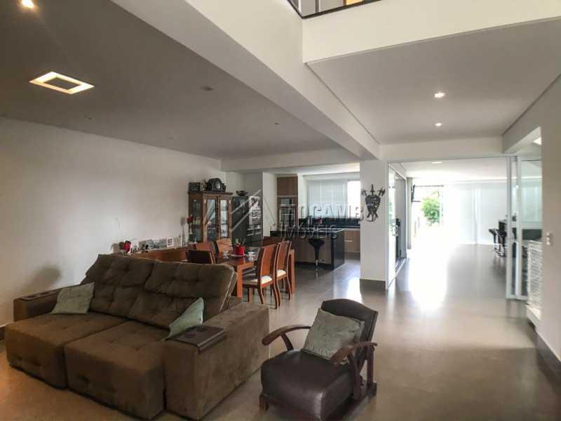 Salas - Casa em Condomínio Sete Lagos, Rodovia Dom Pedro I,Itatiba, Bairro Sítio da Moenda, SP À Venda, 3 Quartos, 285m² - FCCN30441 - 1