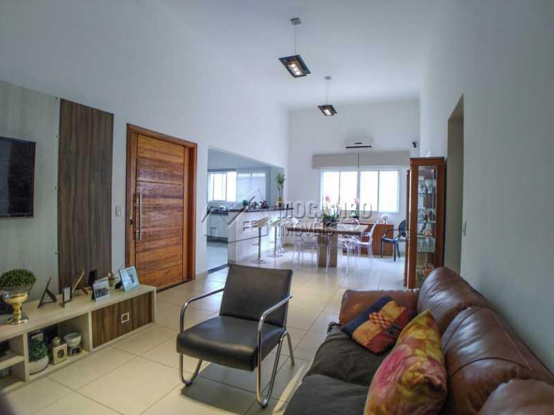 Sala - Casa em Condomínio 3 Quartos À Venda Itatiba,SP - R$ 660.000 - FCCN30442 - 5