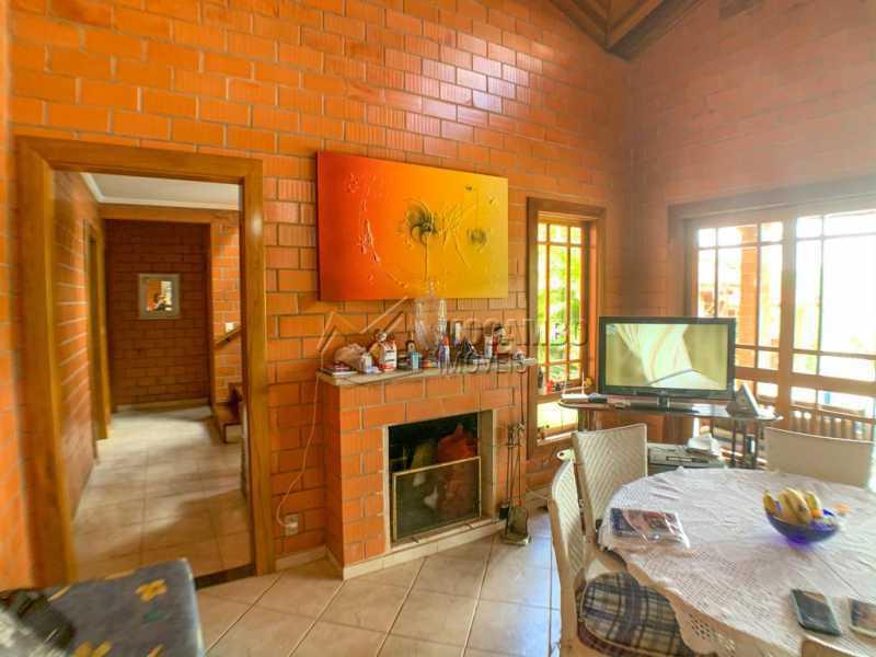 Sala - Casa em Condomínio 5 Quartos À Venda Itatiba,SP - R$ 798.000 - FCCN50038 - 5