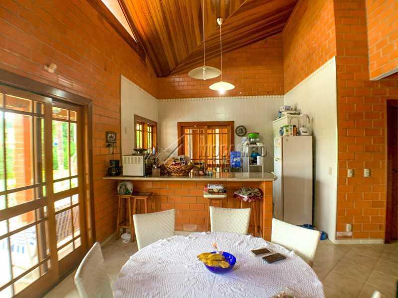 Sala - Casa em Condomínio 5 Quartos À Venda Itatiba,SP - R$ 798.000 - FCCN50038 - 8