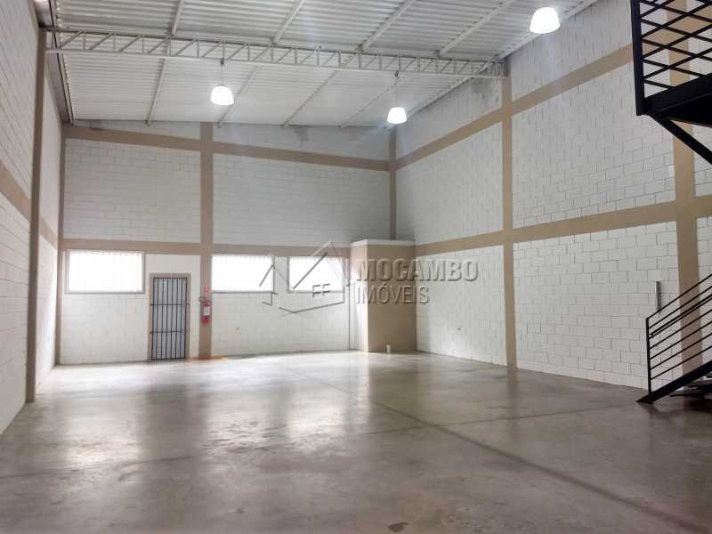 Área Interna - Galpão 230m² Para Alugar Itatiba,SP - R$ 3.900 - FCGA00173 - 3