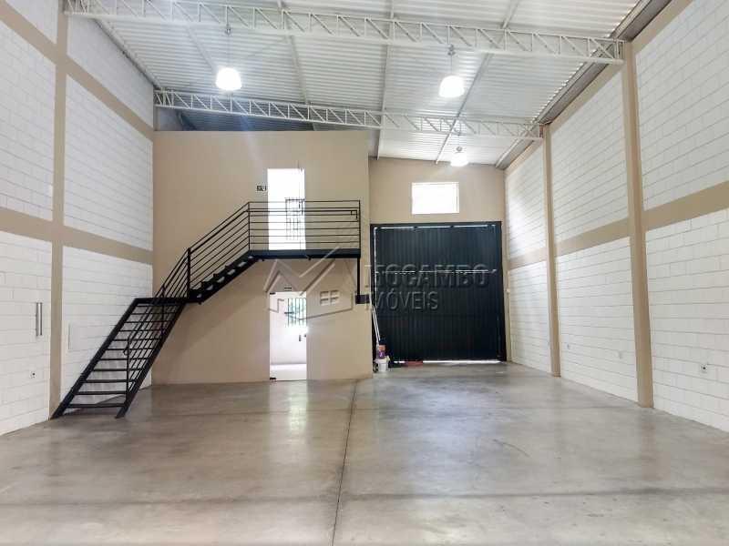 Área Interna - Galpão 230m² Para Alugar Itatiba,SP - R$ 3.900 - FCGA00173 - 4