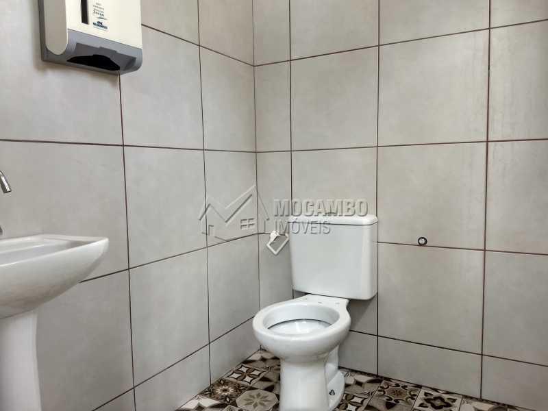 Banheiro Escritório - Galpão 230m² Para Alugar Itatiba,SP - R$ 3.900 - FCGA00173 - 9