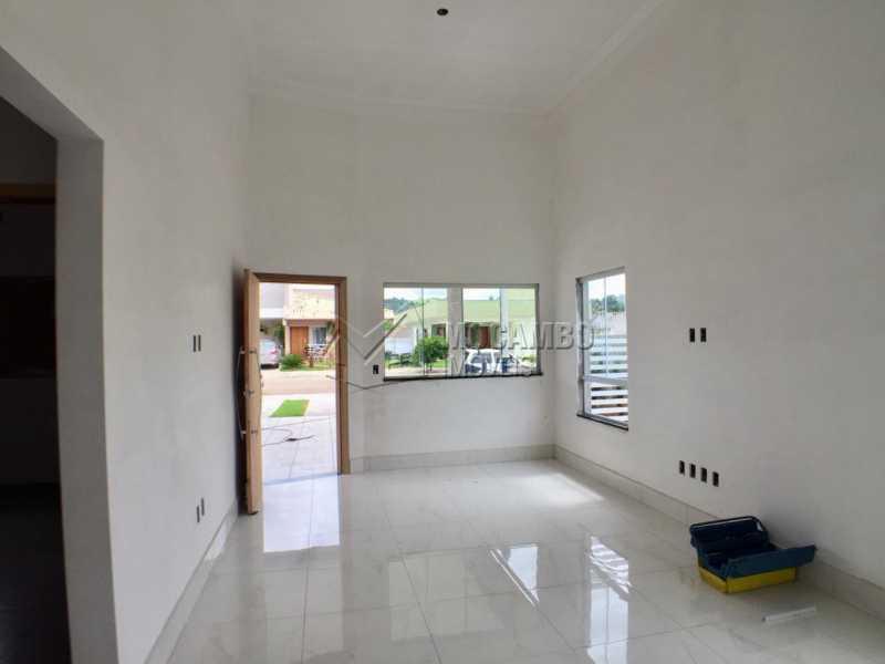 Sala - Casa em Condomínio 3 Quartos À Venda Itatiba,SP - R$ 498.000 - FCCN30453 - 1