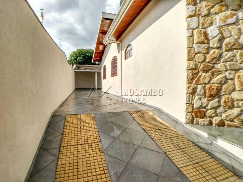 Rampa da Garagem - Casa Itatiba, Jardim Salessi, SP À Venda, 3 Quartos, 140m² - FCCA31325 - 20