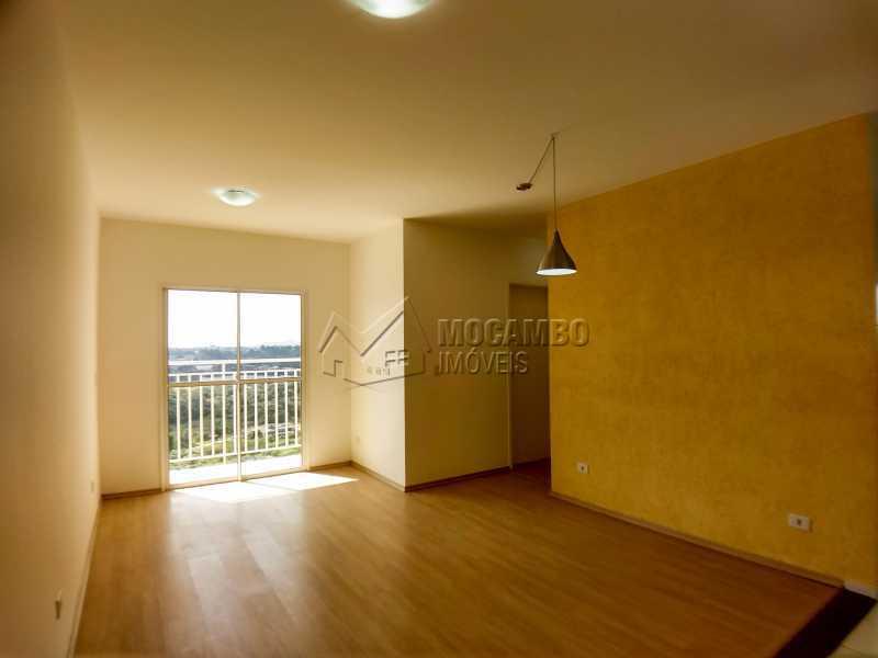 Sala - Apartamento Condomínio Edifício Mirante de Itatiba II, Itatiba, Loteamento Santo Antônio, SP Para Alugar, 2 Quartos, 55m² - FCAP21079 - 1
