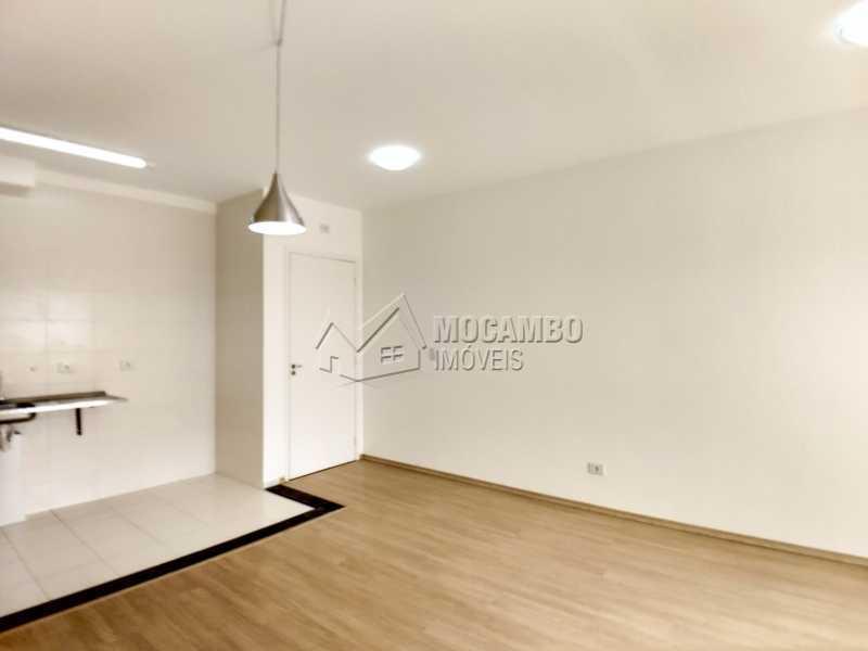 Sala - Apartamento Condomínio Edifício Mirante de Itatiba II, Itatiba, Loteamento Santo Antônio, SP Para Alugar, 2 Quartos, 55m² - FCAP21079 - 4