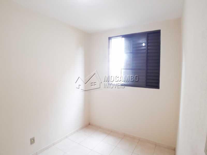 Dormitório 01 - Apartamento Condomínio Edifício João Corradini, Itatiba, Núcleo Residencial João Corradini, SP Para Alugar, 2 Quartos, 50m² - FCAP21083 - 4