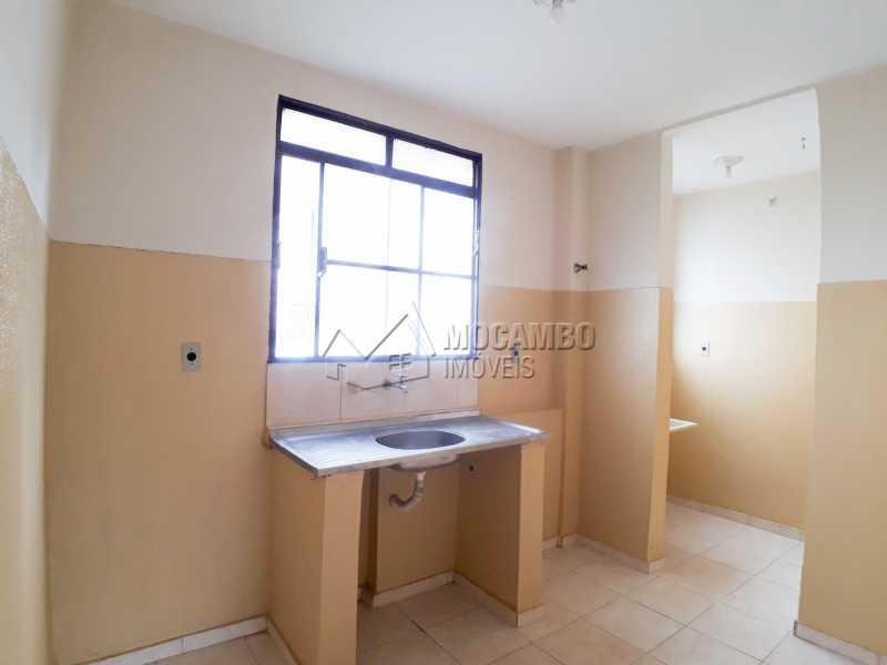 Cozinha - Apartamento Condomínio Edifício João Corradini, Itatiba, Núcleo Residencial João Corradini, SP Para Alugar, 2 Quartos, 50m² - FCAP21083 - 3