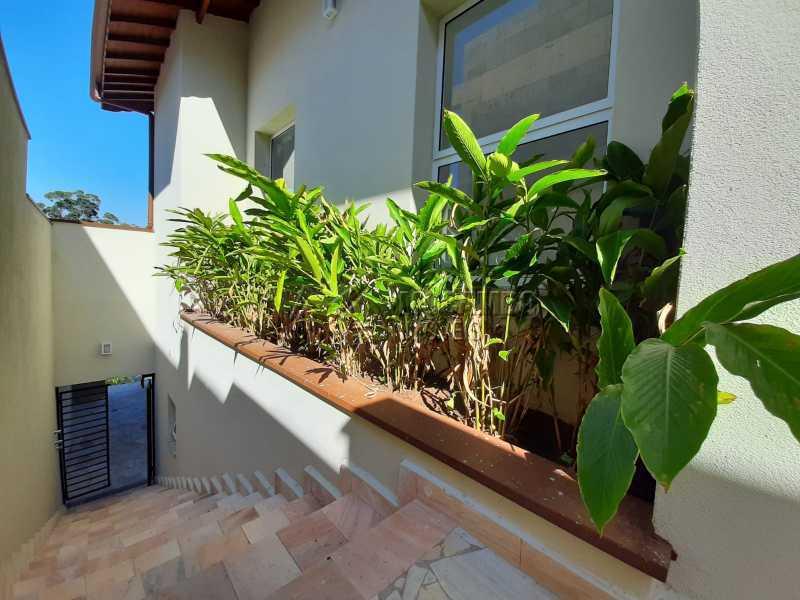 Paisagismo lateral. - Casa em Condomínio 3 quartos à venda Itatiba,SP - R$ 1.390.000 - FCCN30460 - 27