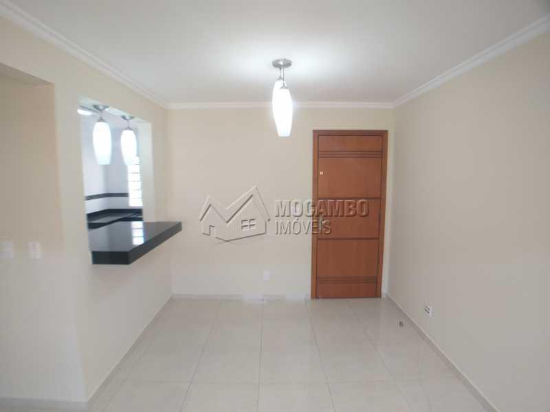 Sala - Apartamento 2 Quartos Para Alugar Itatiba,SP - R$ 750 - FCAP21095 - 3