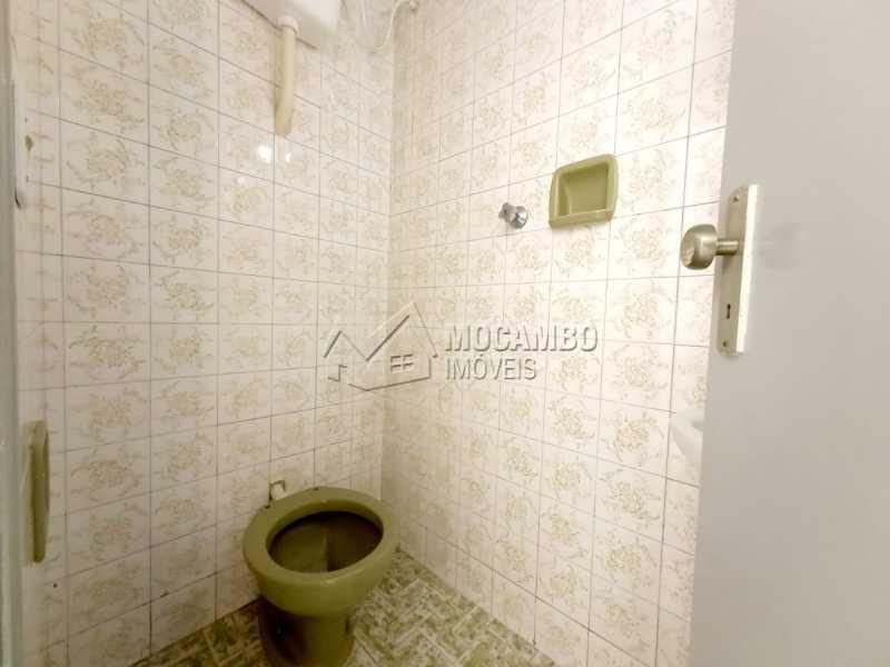 Banheiro Areá de serviços - Casa Comercial para alugar Itatiba,SP Centro - R$ 2.500 - FCCC30017 - 11