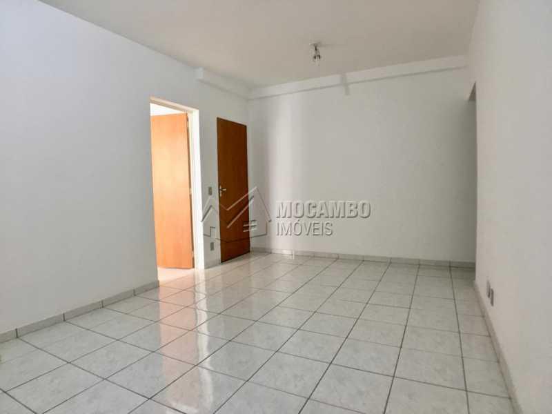 Sala - Apartamento 3 quartos à venda Itatiba,SP - R$ 260.000 - FCAP30571 - 4