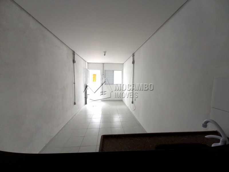 Quarto e Cozinha - Casa 1 quarto para alugar Itatiba,SP Centro - R$ 550 - FCCA10291 - 7