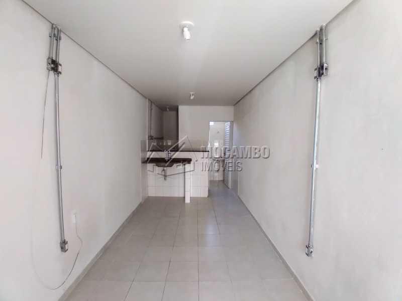 Área Interna - Casa 1 quarto para alugar Itatiba,SP Centro - R$ 600 - FCCA10301 - 3