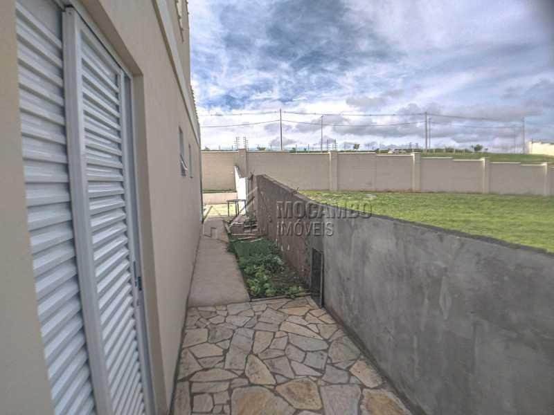 Lateral casa - Casa em Condomínio 3 quartos à venda Itatiba,SP - R$ 850.000 - FCCN30515 - 11
