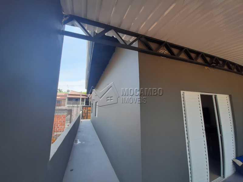 Corredor lateral - Casa 2 quartos à venda Itatiba,SP - R$ 360.000 - FCCA21445 - 10