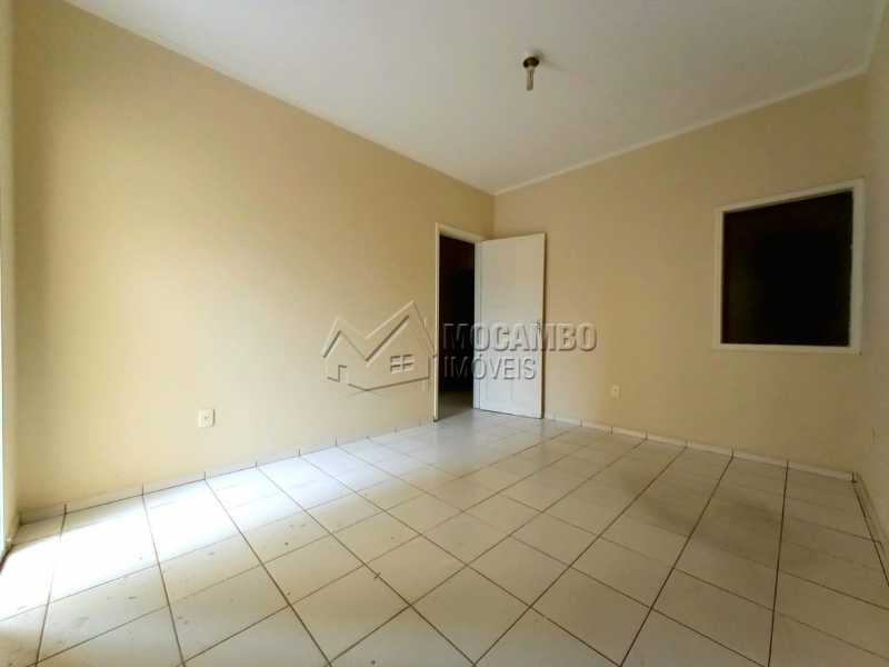QUARTO 01 - SUÍTE - Casa Comercial para alugar Itatiba,SP Centro - R$ 2.000 - FCCC30018 - 14