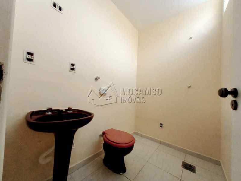 BANHEIRO DA SUÍTE - Casa Comercial para alugar Itatiba,SP Centro - R$ 2.000 - FCCC30018 - 15
