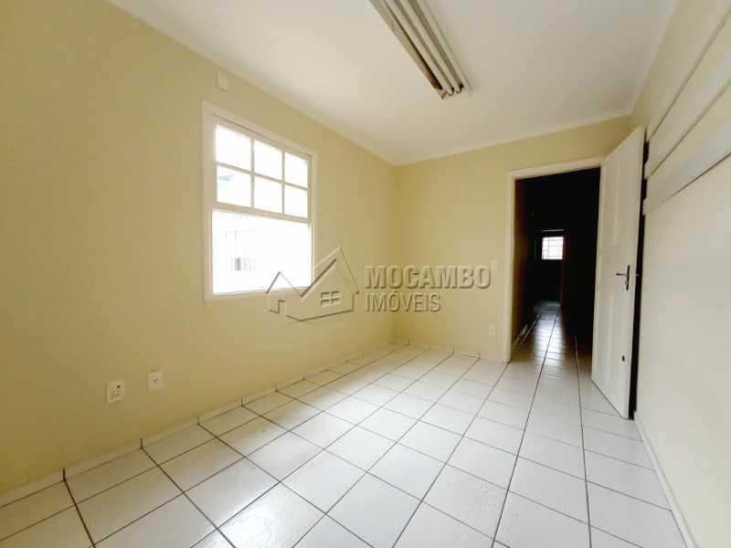 QUARTO 03 - SUÍTE - Casa Comercial para alugar Itatiba,SP Centro - R$ 2.000 - FCCC30018 - 20