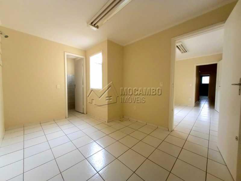 QUARTO 03 - SUÍTE - Casa Comercial para alugar Itatiba,SP Centro - R$ 2.000 - FCCC30018 - 21