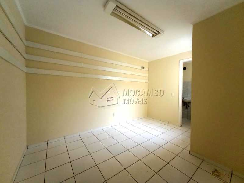 QUARTO 03 - SUÍTE - Casa Comercial para alugar Itatiba,SP Centro - R$ 2.000 - FCCC30018 - 22