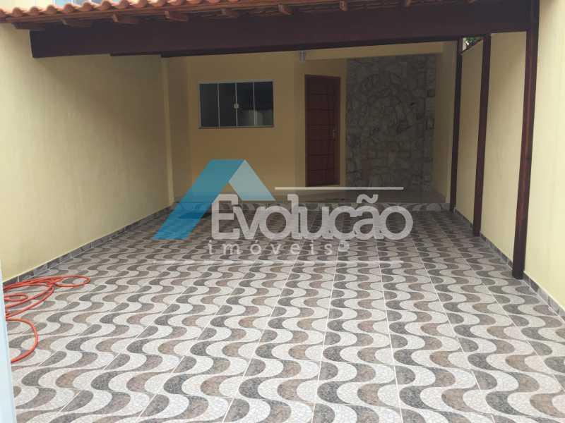 QUINTAL NA FRENTE E GARAGEM - CASA 3 QUARTOS SÃO JORGE CAMPO GRANDE - V0240 - 1