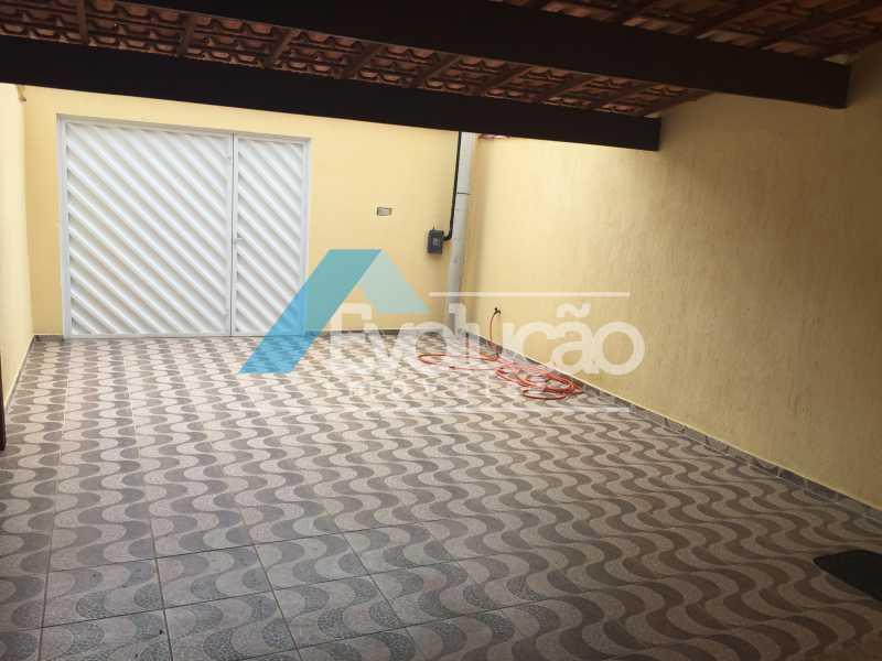 QUINTAL NA FRENTE E GARAGEM - CASA 3 QUARTOS SÃO JORGE CAMPO GRANDE - V0240 - 3