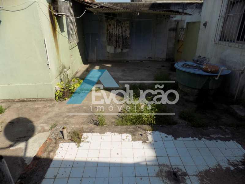 QUINTAL - Casa de Vila À Venda - Padre Miguel - Rio de Janeiro - RJ - V0242 - 13