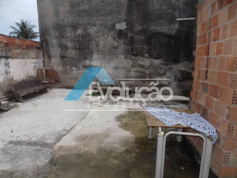 QUINTAL NOS FUNDOS - CASA LINEAR 4 QUARTOS SÃO JORGE CAMPO GRANDE RJ - V0283 - 19