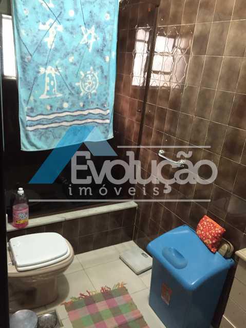 BANHEIRO DA SUÍTE - CASA SÃO JORGE CAMPO GRANDE RJ - V0057 - 9