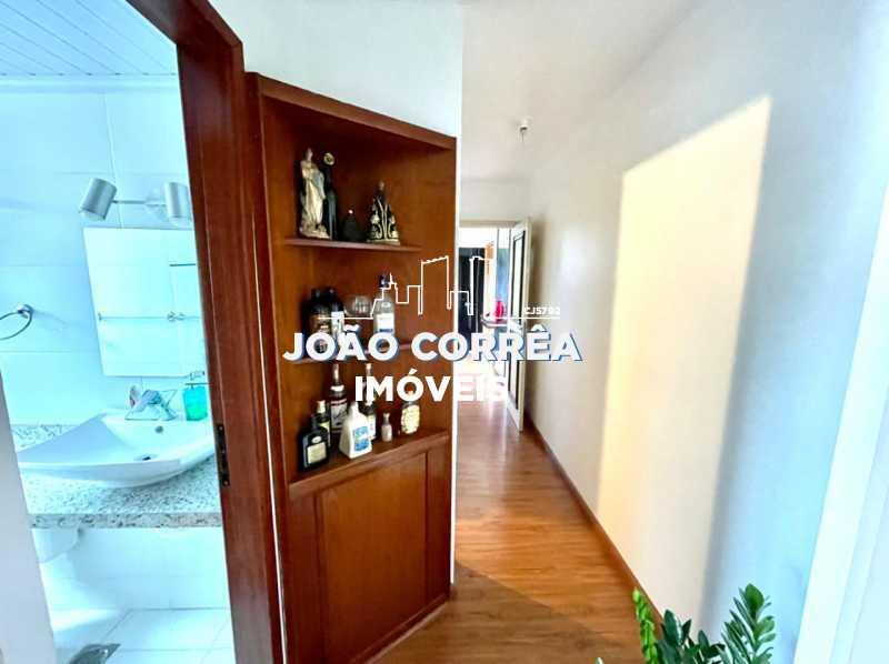 12 Corredor - Apartamento à venda Rua Moacir de Almeida,Tomás Coelho, Rio de Janeiro - R$ 180.000 - CBAP20345 - 13