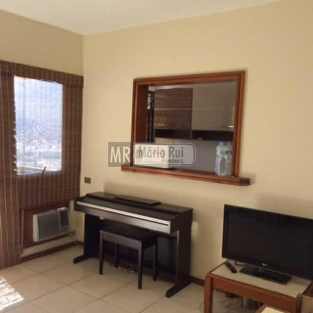 IMG_0564 - Flat à venda Avenida Pepe,Barra da Tijuca, Rio de Janeiro - R$ 800.000 - MRFL10033 - 7