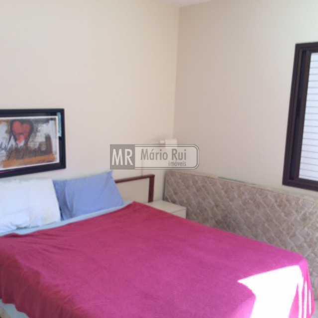 IMG_0568 - Flat à venda Avenida Pepe,Barra da Tijuca, Rio de Janeiro - R$ 800.000 - MRFL10033 - 11