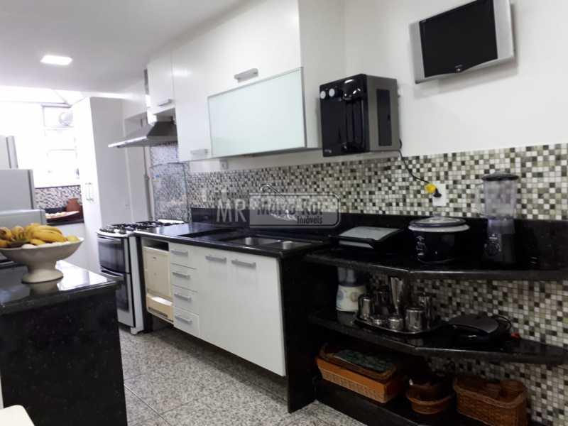 WhatsApp Image 2018-10-26 at 1 - Apartamento à venda Avenida Lúcio Costa,Barra da Tijuca, Rio de Janeiro - R$ 2.800.000 - MRAP30057 - 10