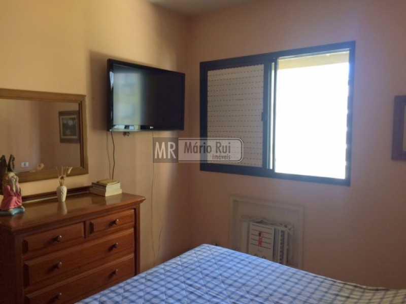 IMG_7188 - Apartamento à venda Avenida Lúcio Costa,Barra da Tijuca, Rio de Janeiro - R$ 550.000 - MRAP10135 - 5