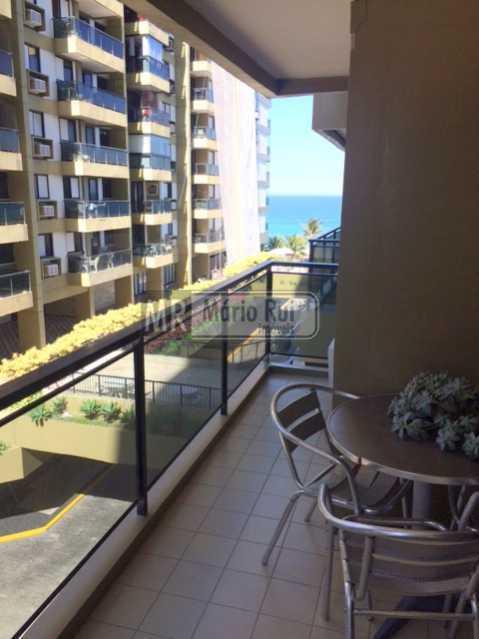 IMG_7200 - Apartamento à venda Avenida Lúcio Costa,Barra da Tijuca, Rio de Janeiro - R$ 550.000 - MRAP10135 - 10
