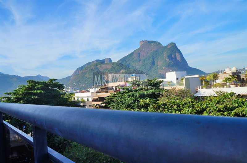 PHOTO-2021-03-11-14-39-41 - Cobertura à venda Avenida Afonso de Taunay,Barra da Tijuca, Rio de Janeiro - R$ 2.980.000 - MRCO40013 - 9