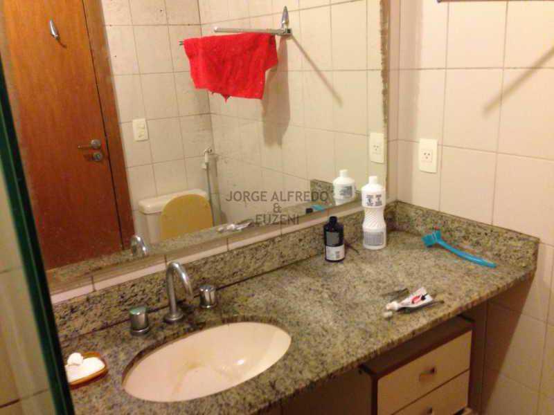 7 banheiro - Vendo Condominio Lagoa Stylus - Avenida Lineu de Paula Machado 3 quartos . Oportunidade!! - JAAP30080 - 8