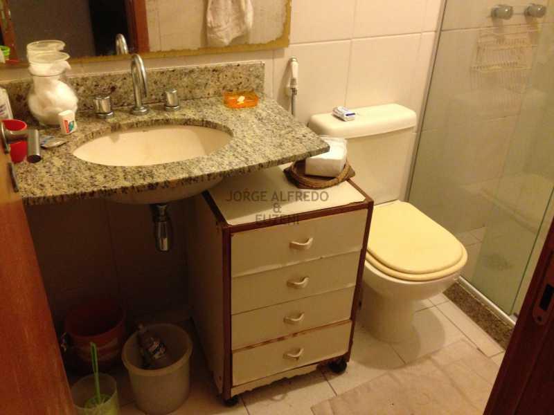11 banheiro suite - Vendo Condominio Lagoa Stylus - Avenida Lineu de Paula Machado 3 quartos . Oportunidade!! - JAAP30080 - 12