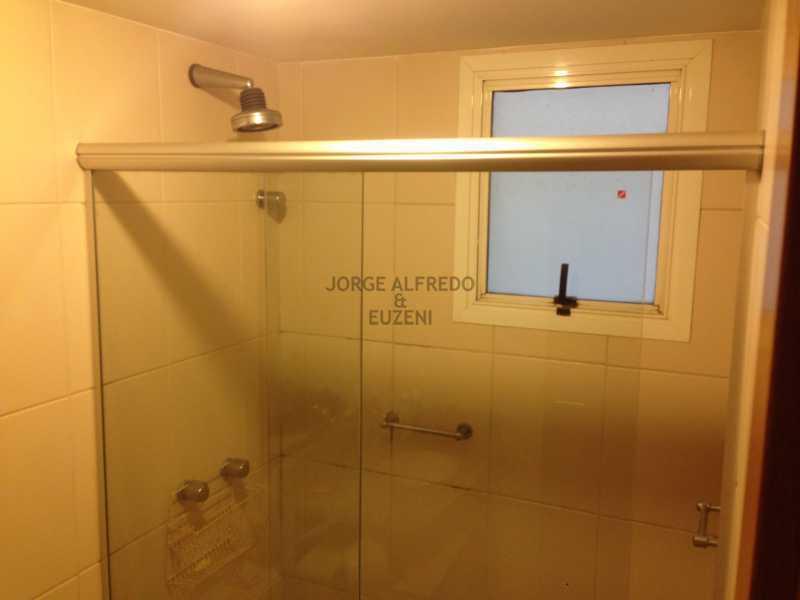12 banheiro suite - Vendo Condominio Lagoa Stylus - Avenida Lineu de Paula Machado 3 quartos . Oportunidade!! - JAAP30080 - 13