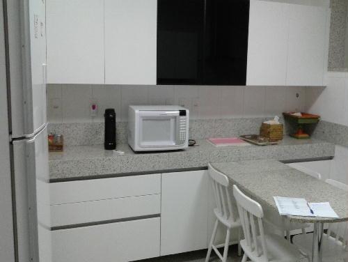 FOTO19 - Excelente apartamento na Av. Atlântica. Posto 6. - GA30629 - 16