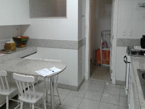 FOTO20 - Excelente apartamento na Av. Atlântica. Posto 6. - GA30629 - 17
