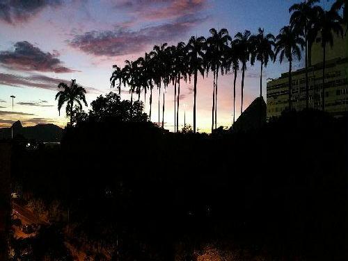 FOTO4 - Excelente quarto e sala. Flamengo. Quadra da praia. Mobiliado e reformado. - GA10268 - 5